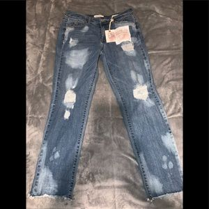 Jessica Simpson lived in vintage jeans /brand new